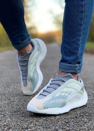 Кроссовки adidas yeezy boost 700 v3серые белые светятся в тем...