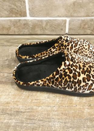 Леопардовые мягкие домашние тапочки