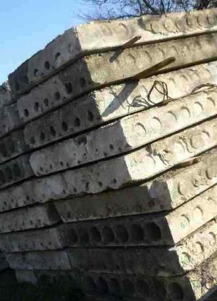 Кирпич, фундаментные блоки, дорожные плиты, плиты перекрытия
