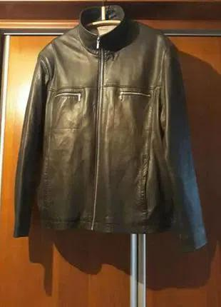 Кожаную мужскую куртку (осень-весна)
