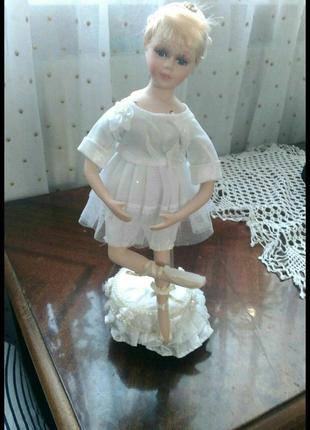 Танцующая балерина-музыкальная!