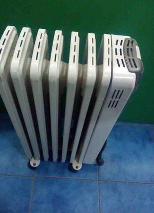 Масляный радиатор De'Longhi Radia R 030715 T