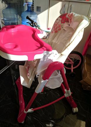Продам детский стульчик для кормления.