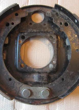Опорный диск с колодками ГАЗ 2401, 2410 (Волга, РАФ), пр-ва СССР