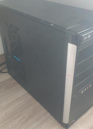 Мощный игровой компьютер: Core i7 7gen(8x4.2 GHz)/60GB+4TB/12Gb/R