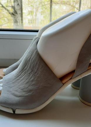 Стильные фирменные кожаные босоножки clarks(original).