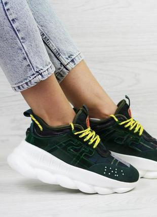 Модные женские кроссовки  зеленого цвета замш