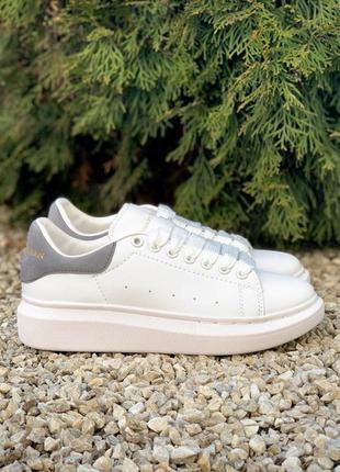 Кроссовки  alexander mcqueen oversized sneakers white grey бел...
