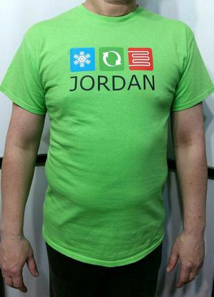 Салатовая футболка хлопковая натуральная с принтом бренд gildan