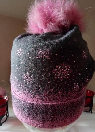 Теплая шапка с натуральным помпоном