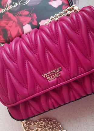 Сумочка-кроссбоди victoria's secret малиновая розовая сумка