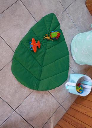 Коврик для детской комнаты