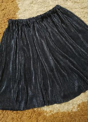 Трендовая юбка плиссе с металлическим отливом, на 7-10 лет мож...