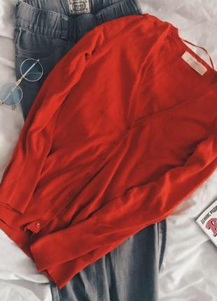 Красный кардиган zara с длинным рукавом