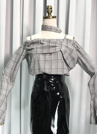 Женская рубашка открытые плечи