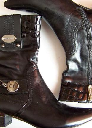 Новые ботиночки на низком квадратном каблуке лаковые местами с...