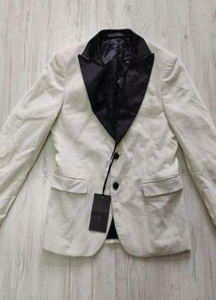 Распродажа до 30 июня 🔥  белый велюровый пиджак с черным сатин...