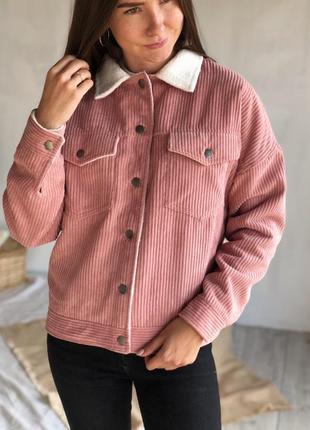 Вельветовая розовая куртка на кнопках, на меху