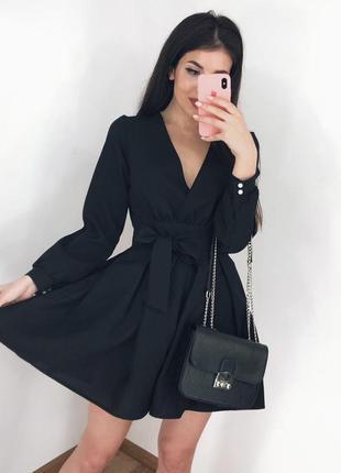Нарядное черное платье на запах с ремешком тренд хит сезона го...