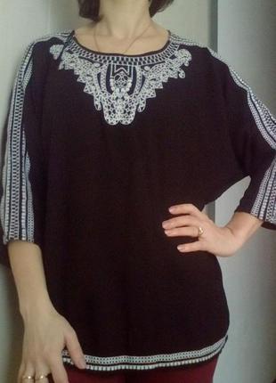 Красивая блузка с вышивкой