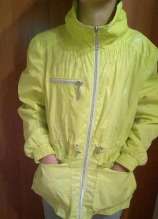 Курточка тонкая,ветровка, дождевик на 10-11 лет