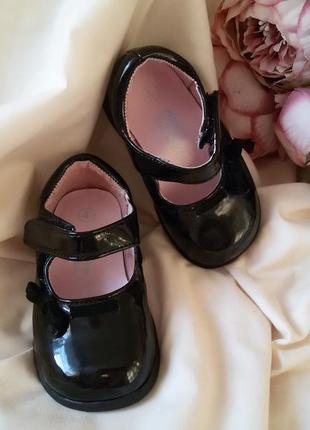 Туфли туфельки черные лаковые для девочки teeny toes 4 (19) р.