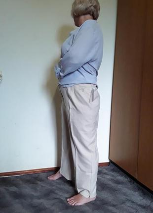 Бежевые брюки большого размера
