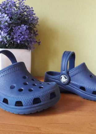 Детские сланцы crocs.