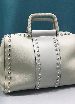 Белая сумка flora&co