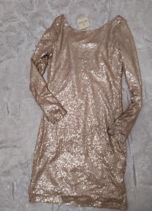 Платье nude паетки блестящее