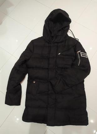 Стильная чёрная куртка зимняя