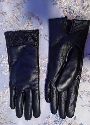Зимние на меху кожаные перчатки