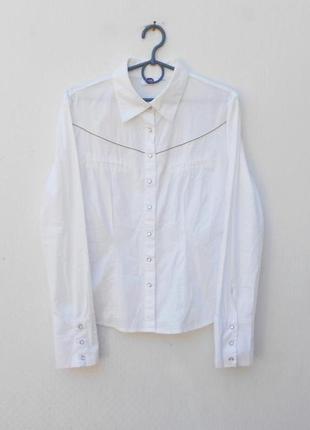 Белая классическая хлопковая рубашка с воротником с длинным ру...