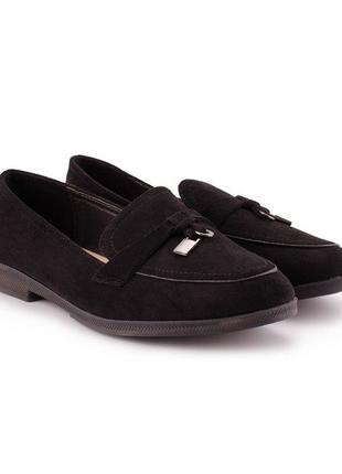 Женские туфли на низком каблуке