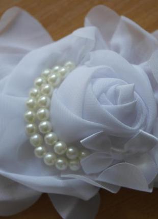 Повязка на голову белая роза