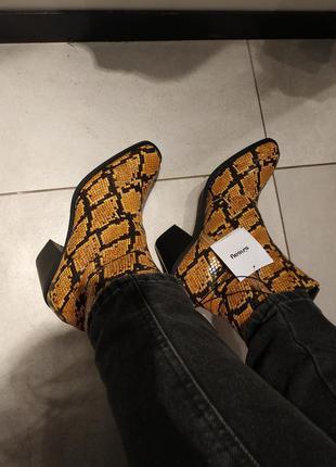 Женские ботинки, женские казаки, ботильоны, модные ботинки