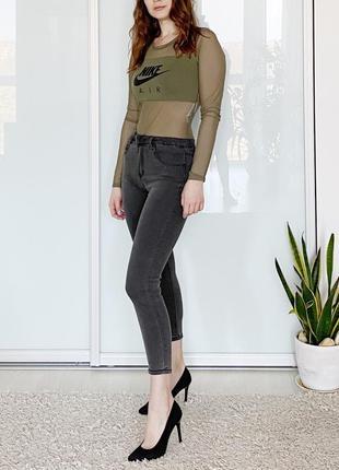 Новые актуальные укороченные джинсы скинни