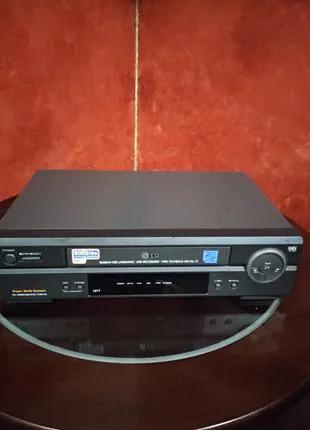 Видеомагнитофон LG L217