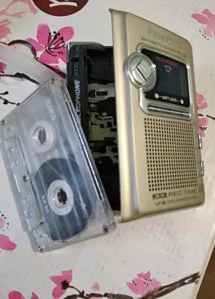 Аналоговый кассетный диктофон Panasonic RQ-L36