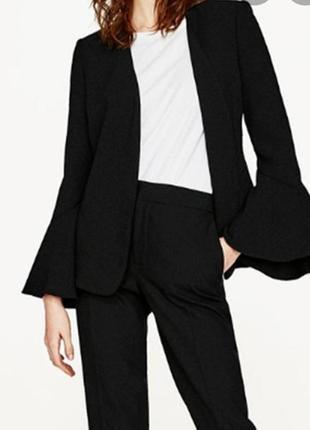 Пиджак без пуговиц. жакет с красивыми рукавами atmosphere