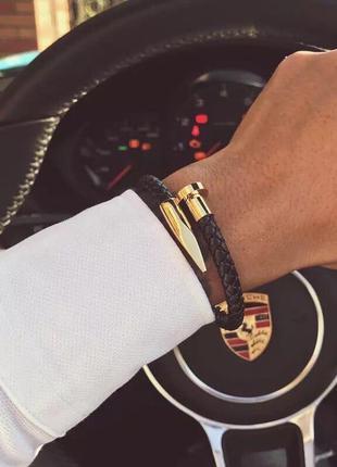 Кожаный браслет в виде гвоздя