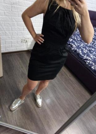 Черное   базовое платье футляр без рукавов