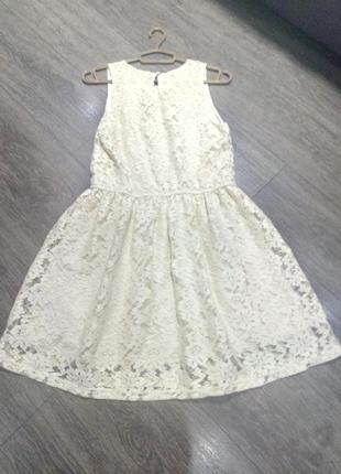 Бежевое цвета айвори кружевное гипюровое  нежное платье