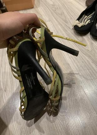 Босоножки кожаные на каблуке красивые ремешки