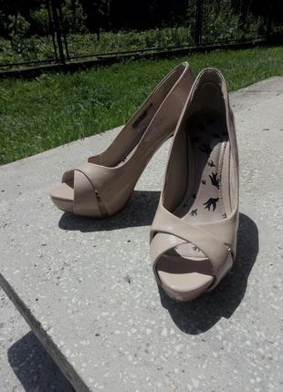 Все от 35  грн!бежевые босоножки туфли с открытым носком
