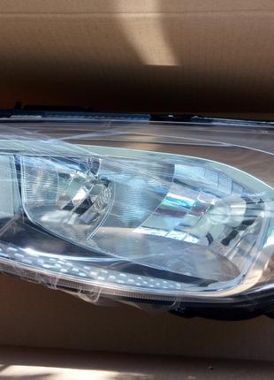 новая левая передняя фара Ford Focus 2015