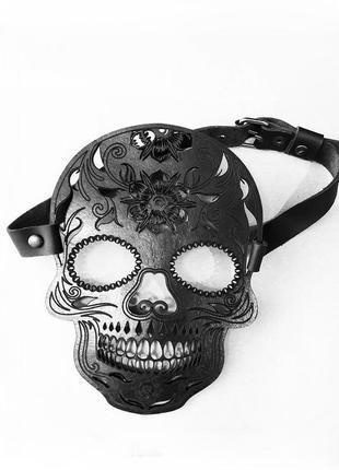 Кожаная маска в форме черепа в стиле santa muerte