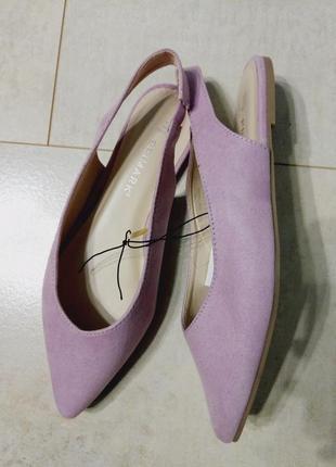 Стильные босоножки на низком каблуке, лиловые балетки