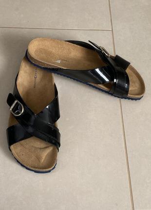 Шлёпанцы стильные модные оригинал tommy hilfiger размер 40-41