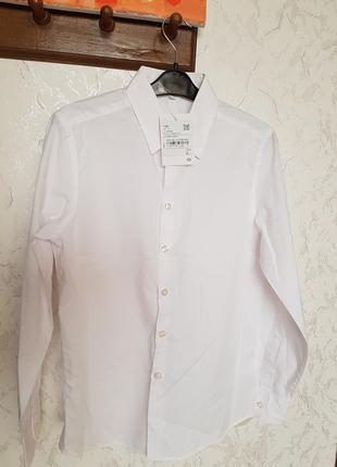 Рубашка белая для мальчика (классическая)